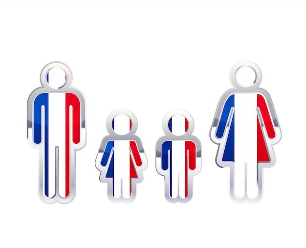 Hochglanzmetallabzeichenikone in mann-, frauen- und kinderformen mit frankreichflagge, infografikelement auf weiß Premium Vektoren
