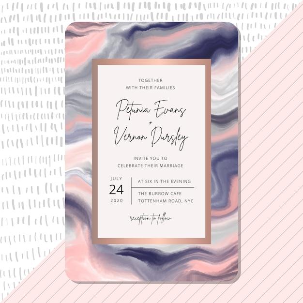 Hochzeitseinladung mit rosa blauem marmorbeschaffenheitshintergrund. Premium Vektoren
