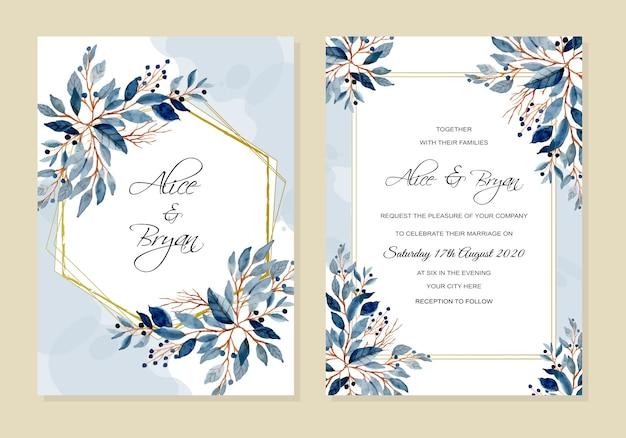 Hochzeitseinladungskarte mit blau verlässt aquarell Premium Vektoren