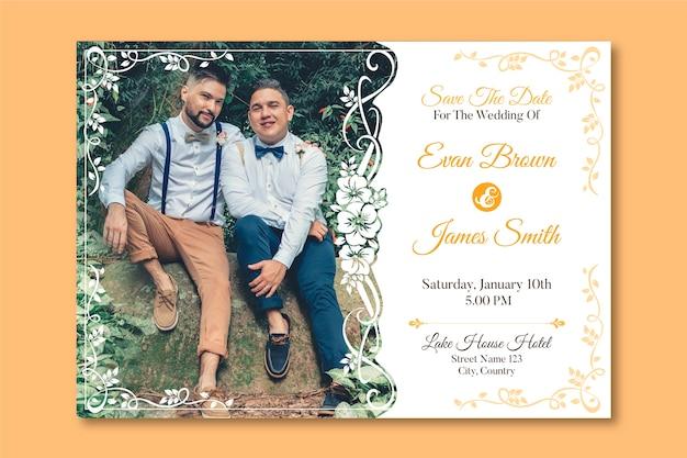 Hochzeitseinladungsschablone mit foto von zwei männern in der liebe Kostenlosen Vektoren