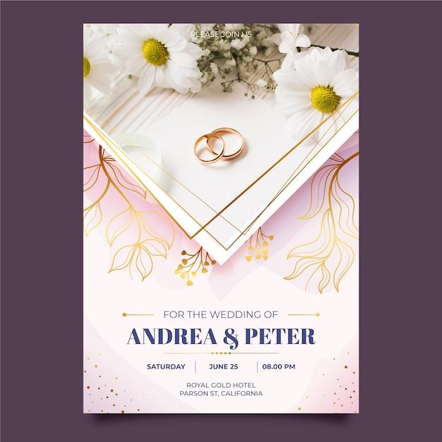 Hochzeitseinladungsschablone mit goldenem ringfoto Kostenlosen Vektoren