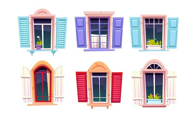 Holzfenster mit offenen fensterläden im mediterranen stil auf weiß Kostenlosen Vektoren