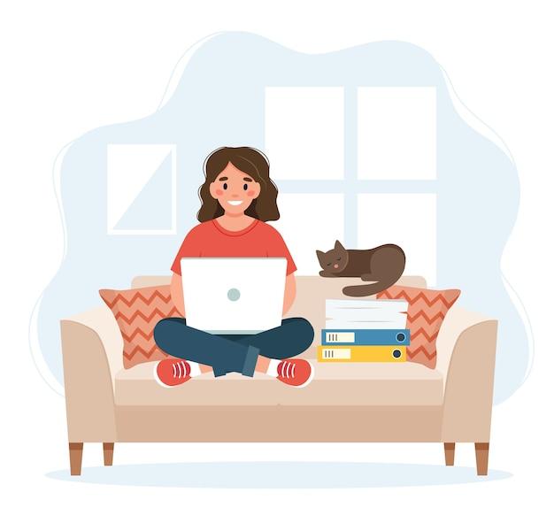 Home-office-konzept, frau, die von zu hause aus auf einem sofa sitzt, fernarbeitskonzept Premium Vektoren