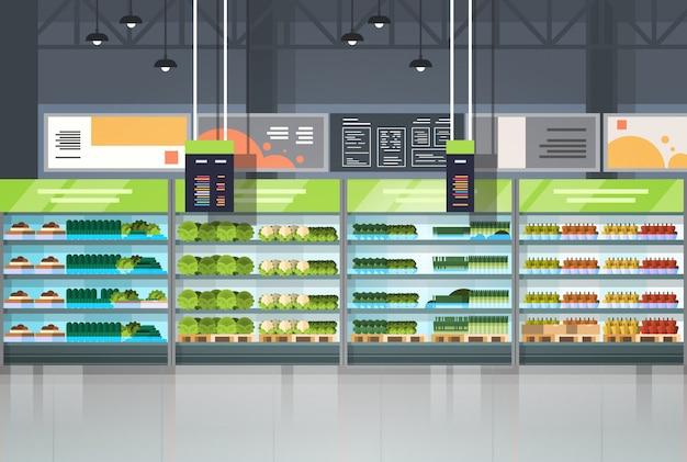 Innenraum des lebensmittelgeschäfts oder des supermarktes mit regal-reihen-einzelhandelsgeschäft-einkaufskonzept Premium Vektoren