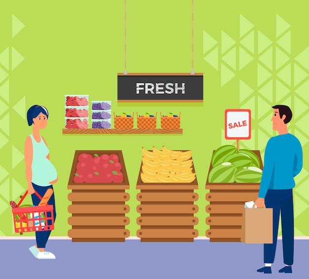 Innensupermarktspeicher mit leutecharakter kassierer und käufer. Kostenlosen Vektoren