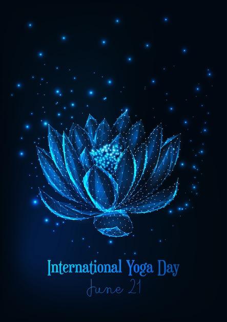 Internationales yogatagesplakat mit glühender niedriger polyseerose, lotosblume. Premium Vektoren