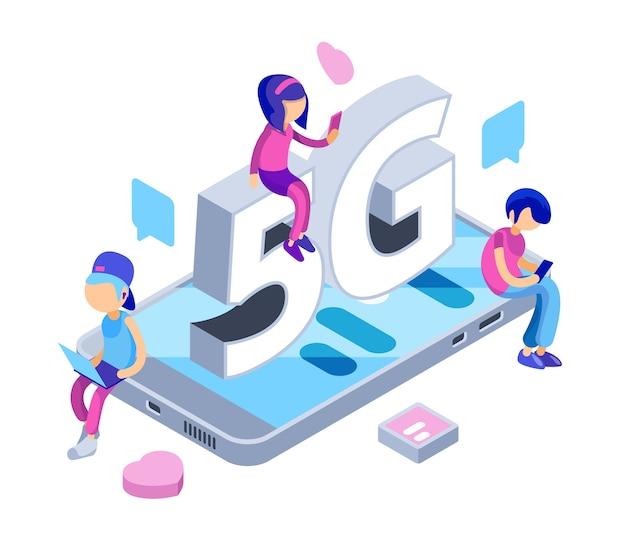 Internet 5g konzept. kostenloses wifi-netzwerk. isometrische jugendliche mit gadgets, smartphones, laptop. illustration internet, verbindung frei drahtlos Premium Vektoren