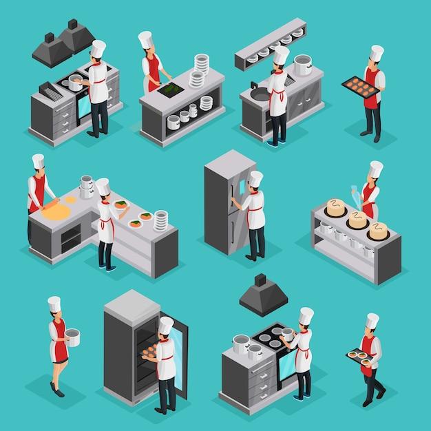 Isometrische kochprozesselemente mit professionellen köchen, die verschiedene gerichte zubereiten und isoliert im restaurant arbeiten Kostenlosen Vektoren