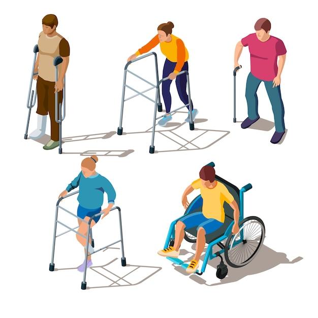 Isometrische personen mit beinverletzungen, knochenbrüchen oder -rissen, fußbruch, orthopädischen problemen. charaktere auf krücken, gehhilfe, im rollstuhl, mit stock. rehabilitation von erkrankungen des bewegungsapparates Kostenlosen Vektoren