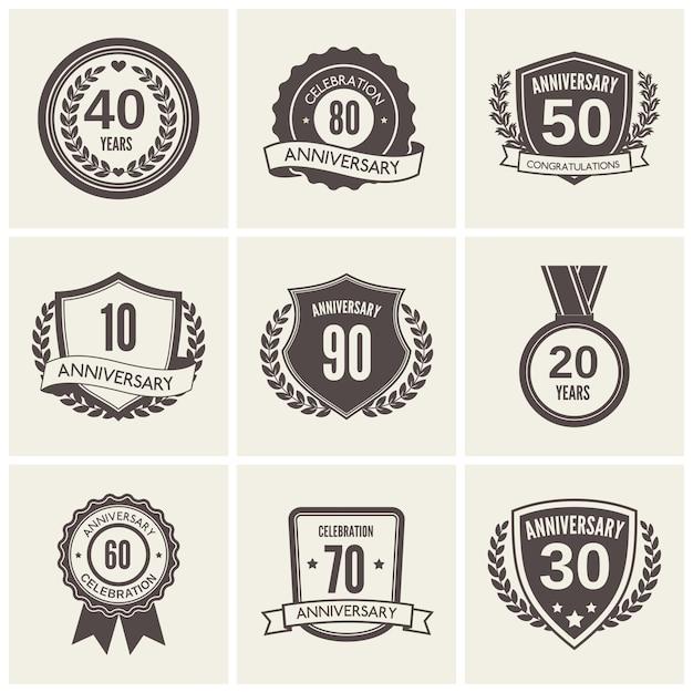Jahrestagsabzeichen oder kennsatzfamilie Premium Vektoren
