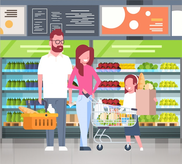 Junge familie, die am supermarkt kauft und produkte kauft Premium Vektoren