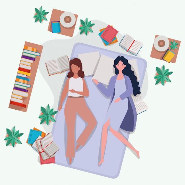 Junge frauen, die in der matratze im schlafzimmer sich entspannen Kostenlosen Vektoren