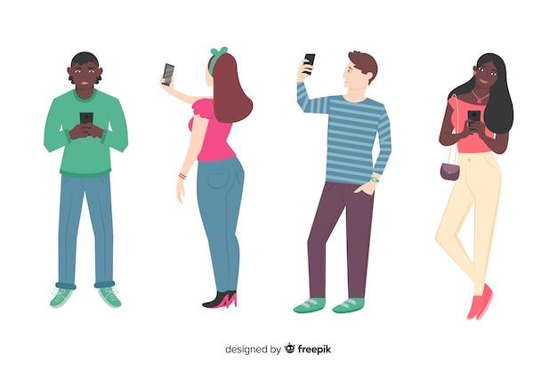Junge leute, die smartphones halten Kostenlosen Vektoren