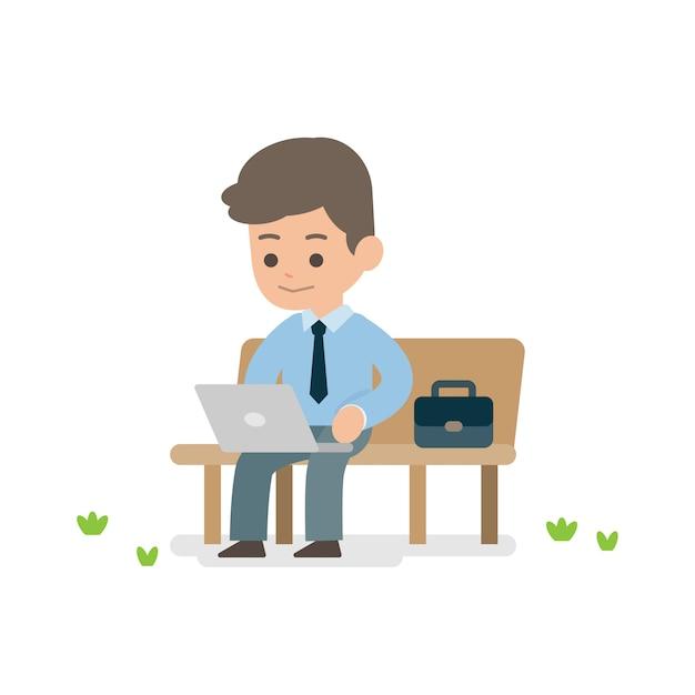 Junger geschäftsmann, der an dem laptop sitzt auf einer parkbank arbeitet Premium Vektoren