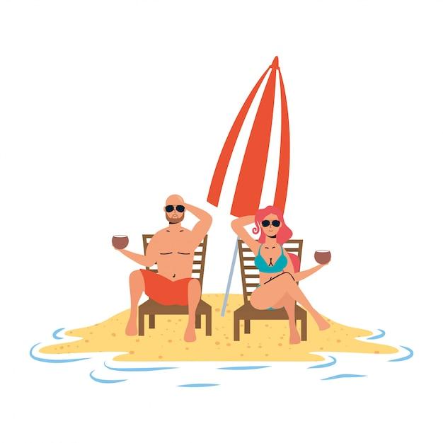 Junges paar, das am strand sitzt, der in stühlen und im regenschirm sitzt Premium Vektoren