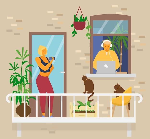 Junges paar zu hause. blonde lächelnde frau, die übungen mit hanteln auf balkon mit katzen und pflanzen tut. mann in den kopfhörern im fenster arbeitet von zu hause am laptop. hauptaktivitäten. flacher vektor. Premium Vektoren
