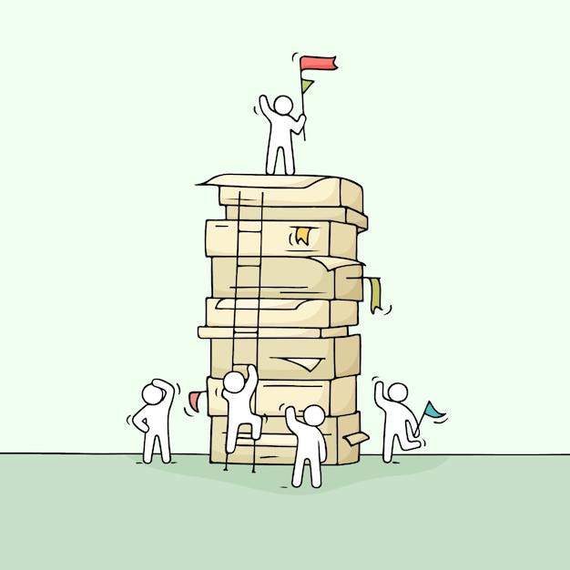 Karikatur arbeitende kleine leute mit großem stapel papier. Premium Vektoren