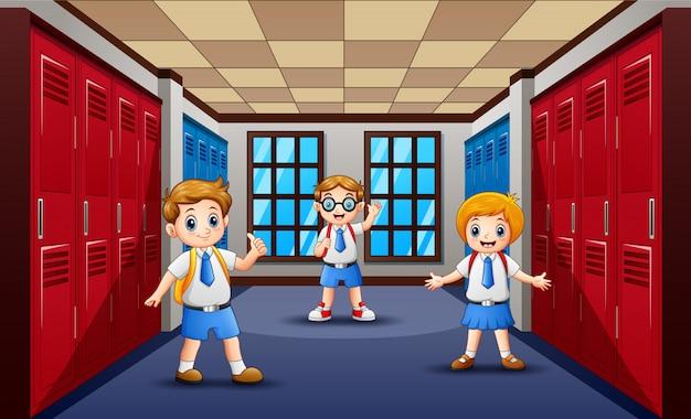 Karikatur der glücklichen halle des studenten in der schule Premium Vektoren