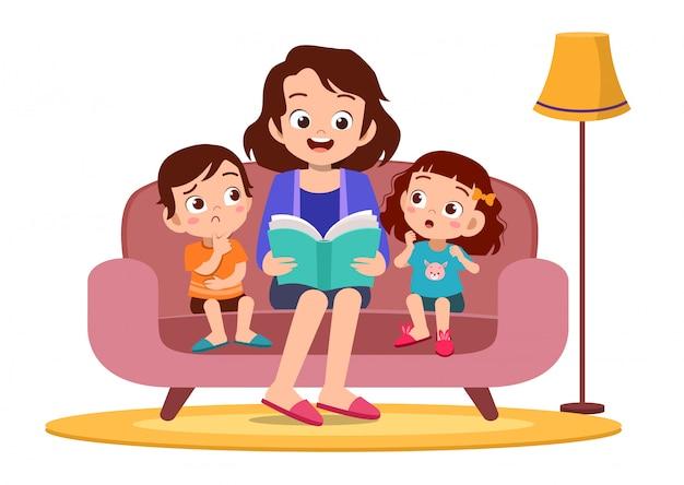 Kind und mutter lesen im sofa Premium Vektoren