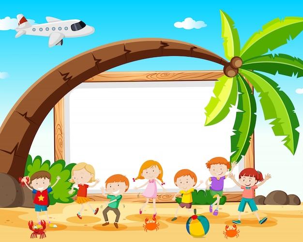Kinder am strandrahmen Kostenlosen Vektoren