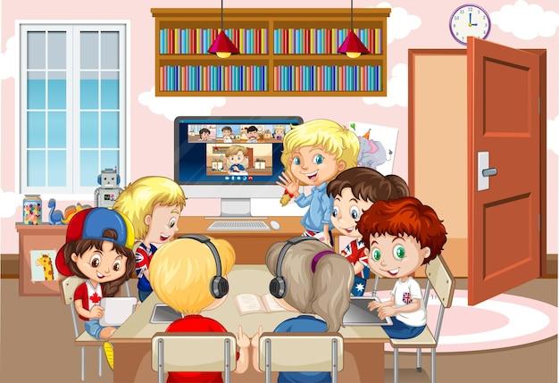 Kinder, die einen laptop verwenden, um videokonferenzen mit lehrern und freunden in der raumszene zu kommunizieren Kostenlosen Vektoren