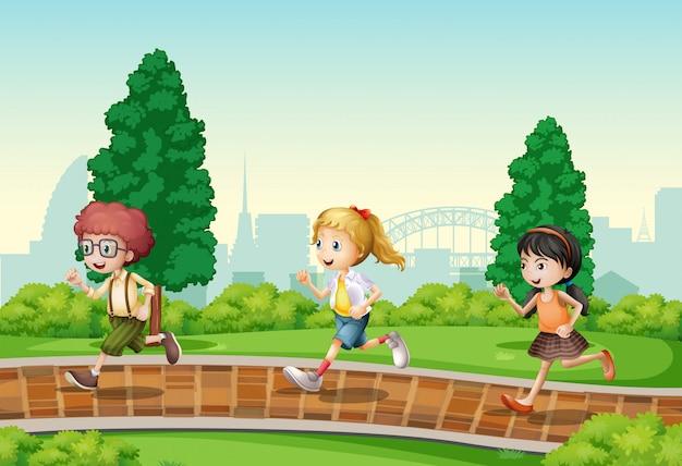 Kinder laufen im park Premium Vektoren