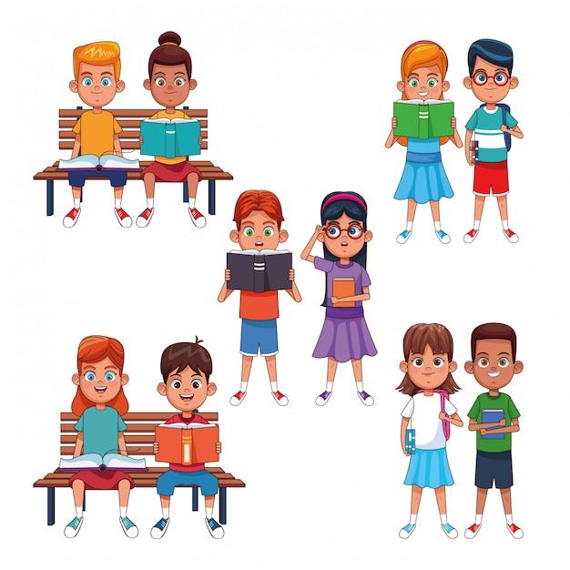 Kinder lesen bücher cartoons Premium Vektoren