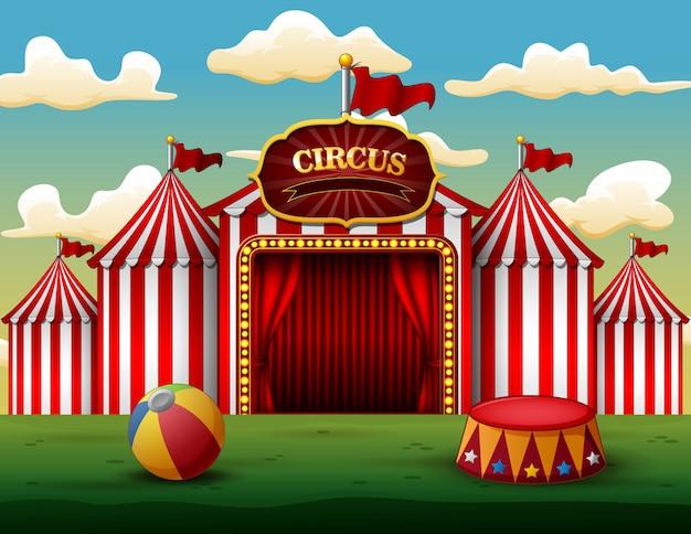 Klassisches rotes weißes zirkuszelt mit dekorativer zeichenplatte Premium Vektoren