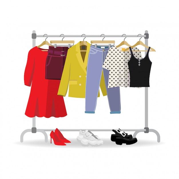 Kleiderbügel mit lässiger frauenkleidung, schuhen Premium Vektoren