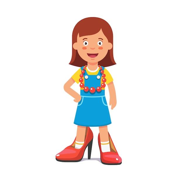 Kleine niedliche Mädchen, die vorgibt, dass sie eine erwachsene Dame ...
