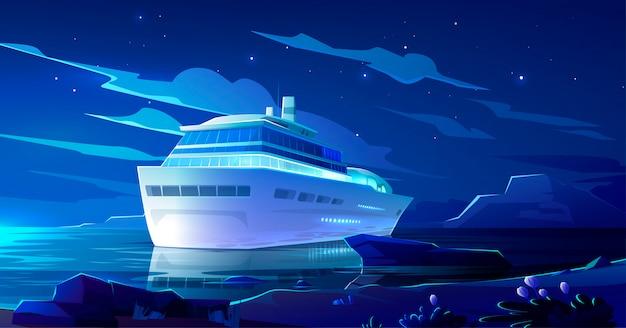 Kreuzfahrtschiff im ozean in der nacht. modernes schiff, boot Kostenlosen Vektoren