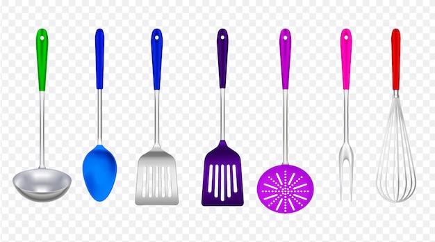 Küchenwerkzeugmetall mit buntem realistischem plastiksatz mit dem schöpflöffelspachtelabschäumer, der die gabel transparent kocht Kostenlosen Vektoren