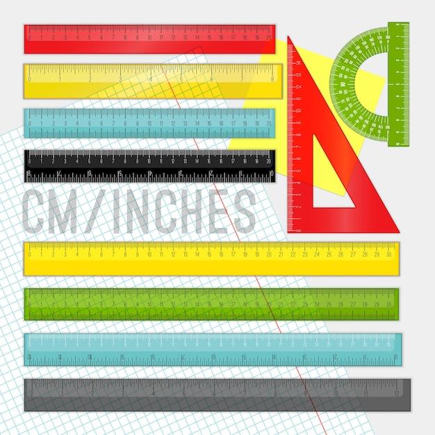 Kunststoff lineal gesetzt. gelbe, grüne und rote schulkarikaturlineale Premium Vektoren