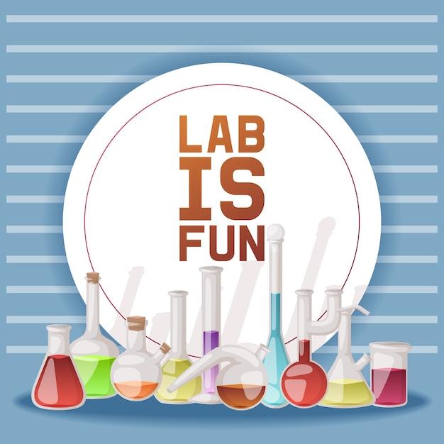 Labor macht spaß. verschiedene laborglaswaren und -flüssigkeit für analyse, reagenzgläser mit orange, gelber und roter flüssigkeit. Premium Vektoren