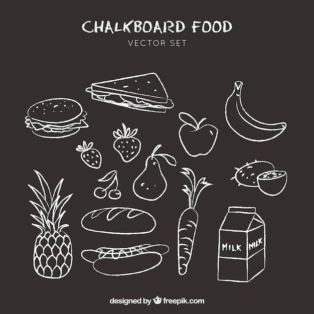 Lebensmittel-icons doodle auf tafel hintergrund gezeichnet Kostenlosen Vektoren