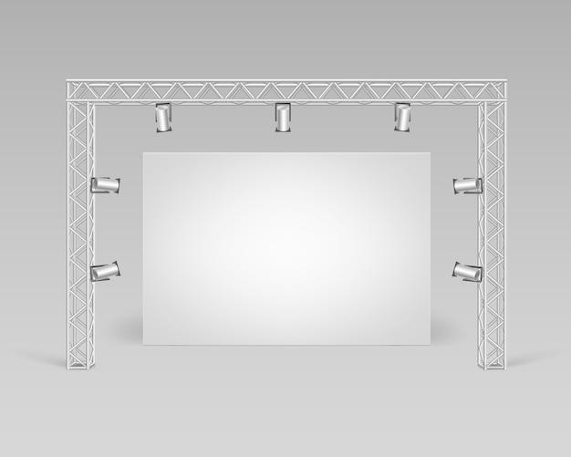 Leeres leeres weißes plakatbild, das auf boden mit scheinwerferbeleuchtungs-vorderansicht steht Premium Vektoren