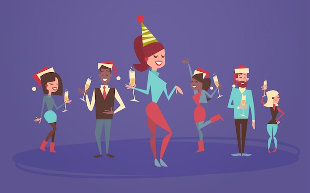 Leute feiern männer und frauen der frohen weihnachten und des guten rutsch ins neue jahr tragen santa hats holiday eve party concept Premium Vektoren