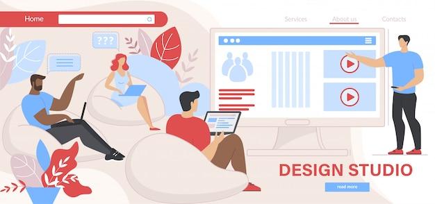 Leutedesigner, die mit laptops am schirm sitzen Premium Vektoren