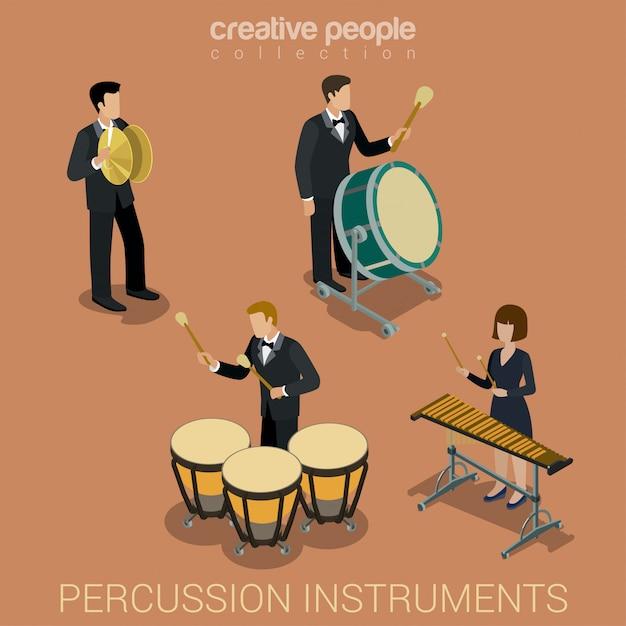 Leutemusiker, die auf den isometrischen vektorillustrationen der stoßmusikinstrumente eingestellt spielen. Kostenlosen Vektoren