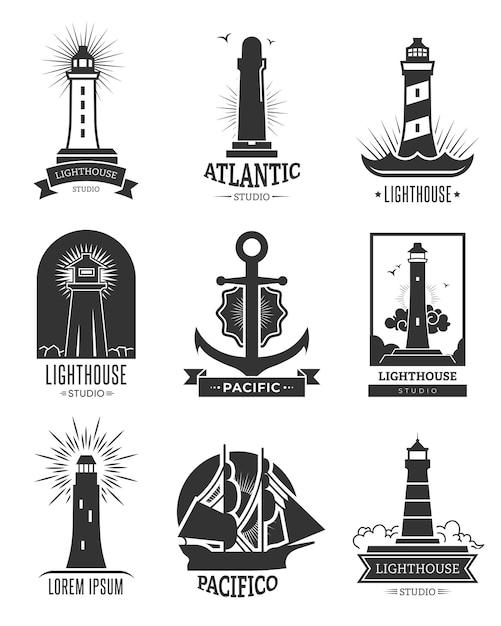 Logo-set für seeschifffahrt. isolierte monochrome illustrationen von leuchttürmen, anker und schiff. für schiffsnavigationsemblem, seefahrt, kreuzfahrtetikettenvorlagen Kostenlosen Vektoren