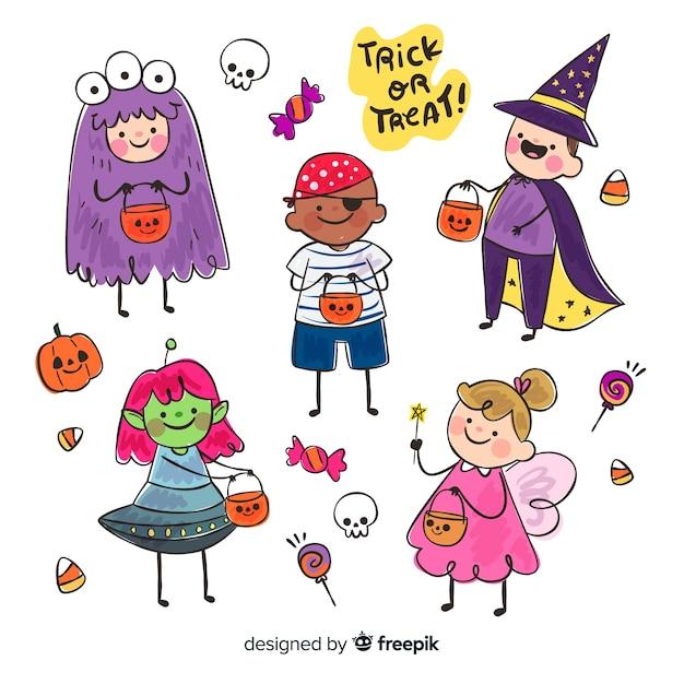 Lustige und niedliche halloween-kostümkinder eingestellt mit bonbons Kostenlosen Vektoren