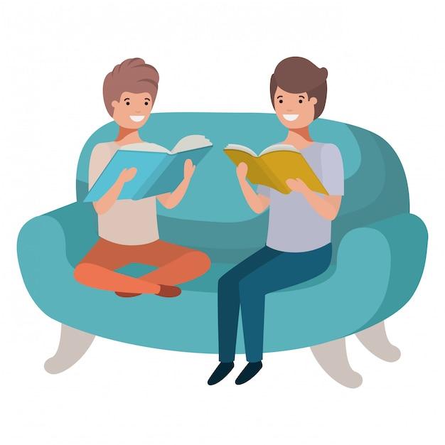 Männer, die im sofa mit buchavataracharakter sitzen Premium Vektoren