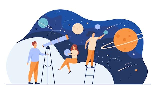 Mann, der galaxie durch teleskop studiert. frauen, die planetenmodelle halten, meteore und sternbild beobachten. flache vektorillustration für horoskop-, astronomie-, entdeckungs-, astrologiekonzepte Kostenlosen Vektoren