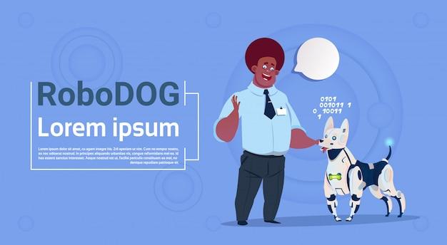 Mann, der mit roboterhund spielt nette haustier-moderne roboter-haustier-künstliche intelligenz-technologie Premium Vektoren