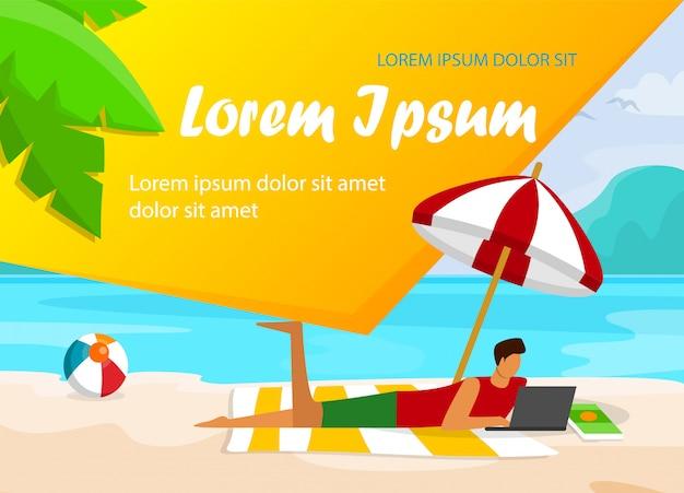 Mann mit dem laptop, der auf sandy beach liegt Premium Vektoren