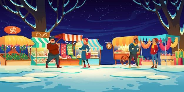 Menschen auf dem weihnachtsmarkt mit marktständen mit süßigkeiten, weihnachtsmützen, kuchen und lebkuchen. Kostenlosen Vektoren