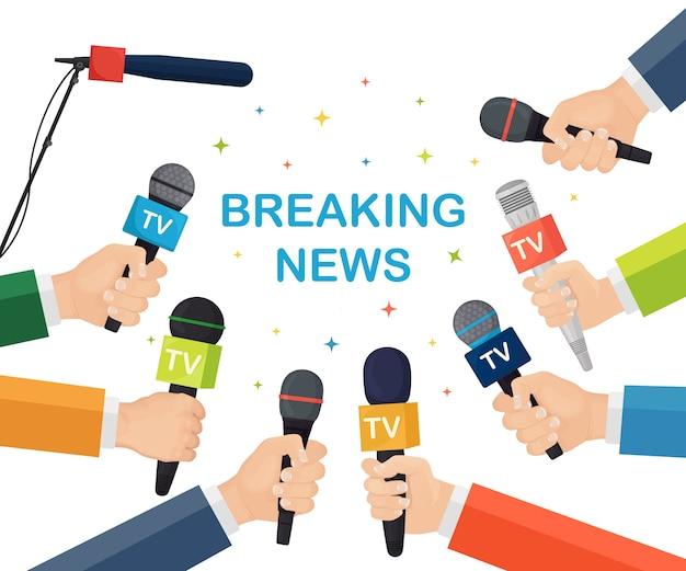 Mikrofone in händen von reportern auf pressekonferenz oder interview Premium Vektoren