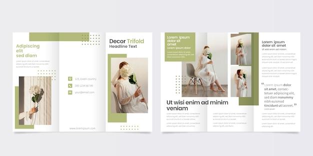 Minimale dreifach gefaltete broschürenvorlage Premium Vektoren
