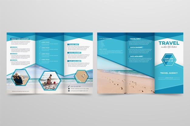 Minimale dreifach gefaltete broschürenvorlage Kostenlosen Vektoren