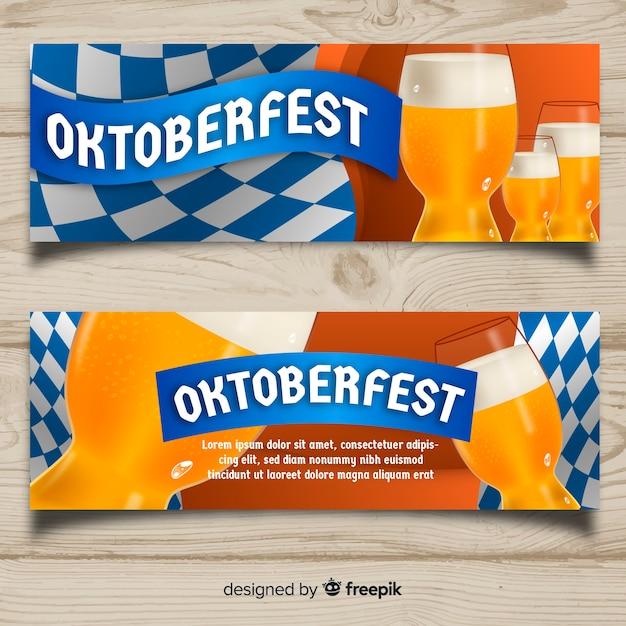 Moderne oktoberfest fahnen mit bayerischer flagge Kostenlosen Vektoren